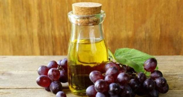 10 Manfaat Minyak Biji Anggur Untuk Kecantikan