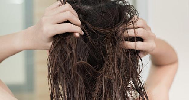 Bahaya Tidur Dengan Rambut Masih Basah