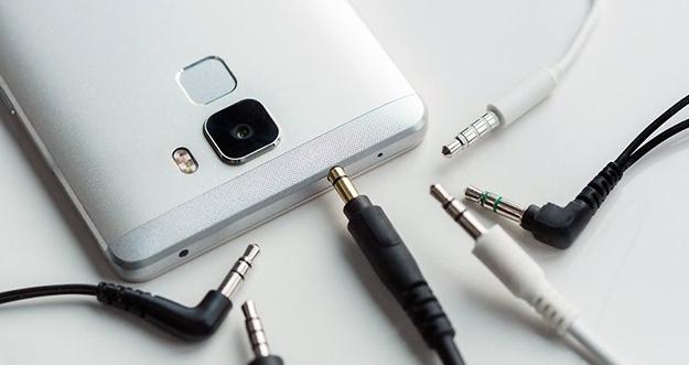 Cara Membersihkan Lubang Audio Smartphone Yang Kotor