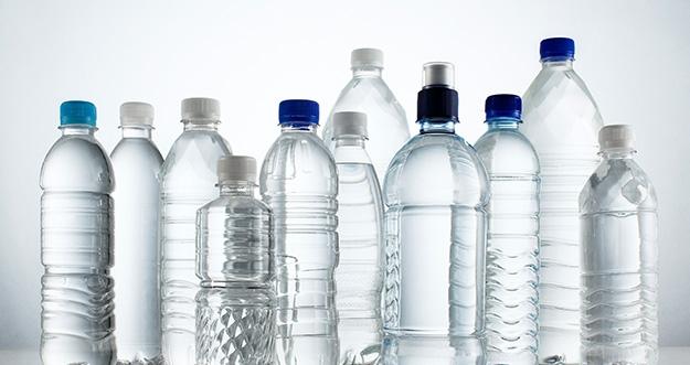 Amankah Minum Air Dalam Kemasan Botol Plastik?