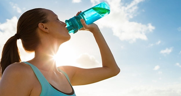 5 Cara Penuhi Asupan Cairan Tubuh Selain Minum Air Putih