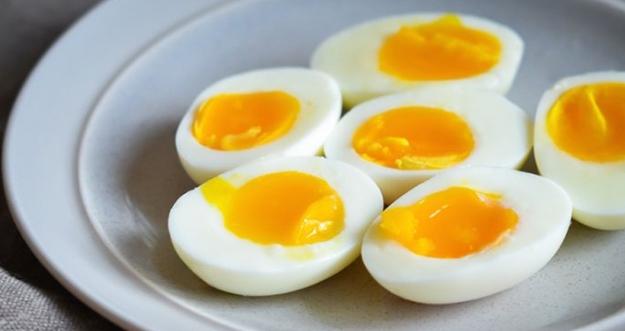 Berapa Lama Telur Rebus Bisa Busuk Jika Dibiarkan di Suhu Ruangan?