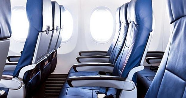 Ini Alasan Bangku Pesawat Harus Tegak Sebelum Terbang dan Mendarat